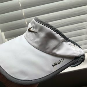 Nike DriFit Visor (white)